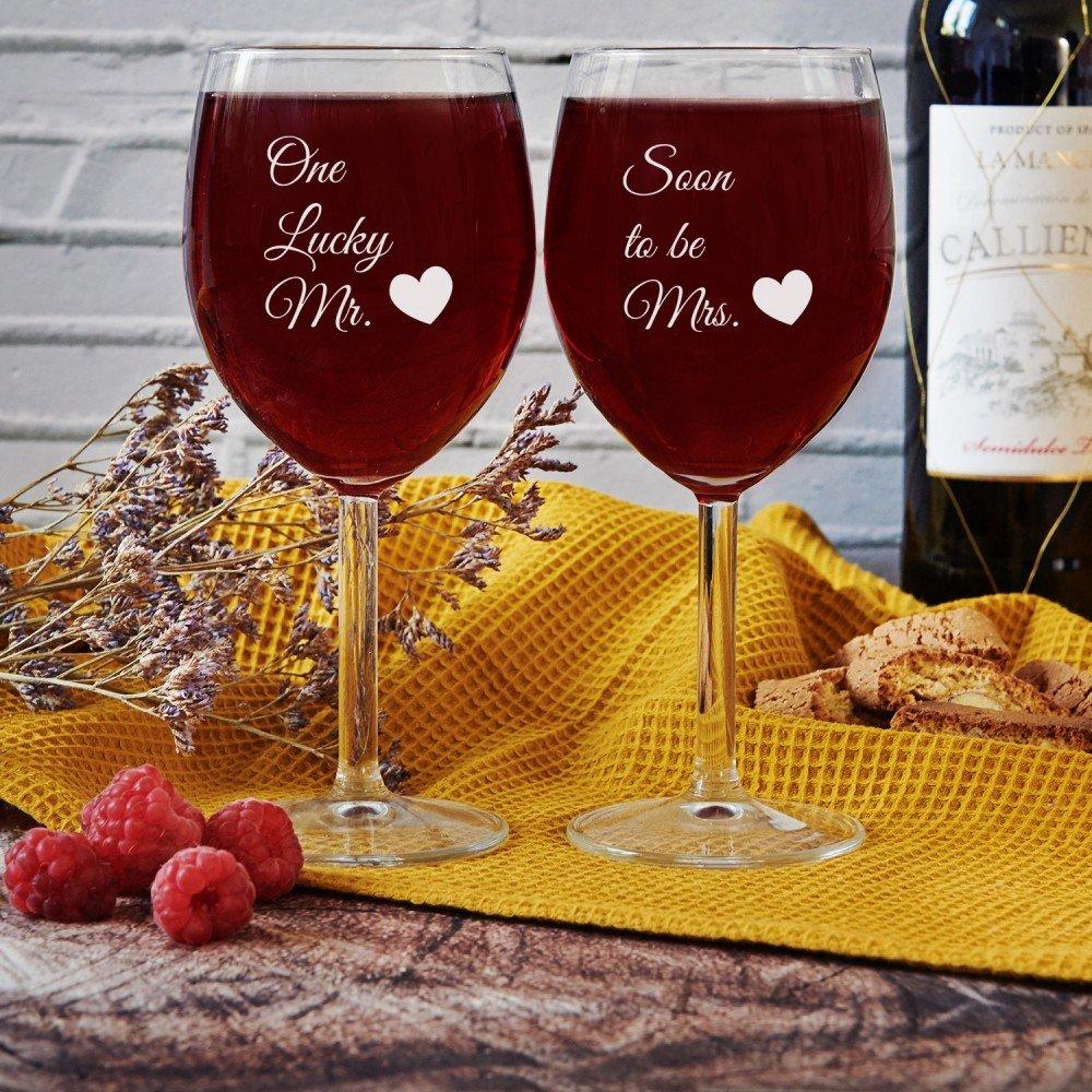 kieliszki do wina - prezent dla narzeczonej