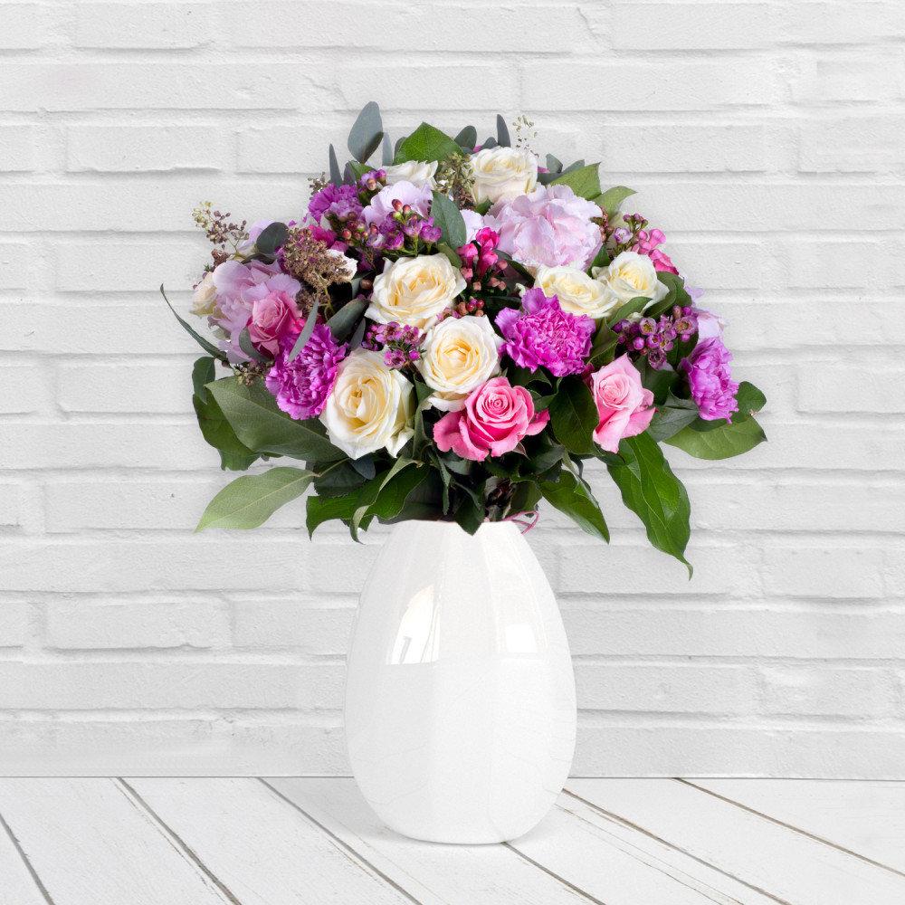 bukiet kwiatów - jaki prezent na ślub